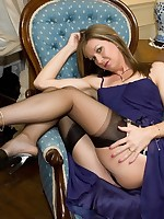 naughty phone call leads to toy action - Vintage Milfs