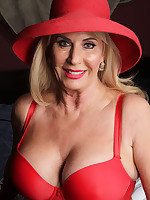 Lady in red - Granny Girdles